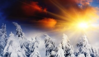 SunsetinWinterMountains_13243461_s